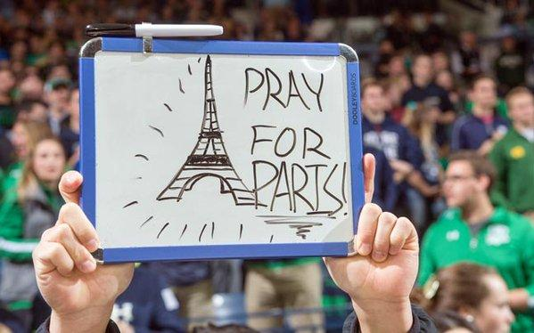 Video A man who came from Germany just to give hope to Paris