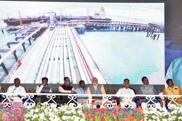 In poll-bound Gujarat PM Modi inaugurates Rs 650 crore ferry service
