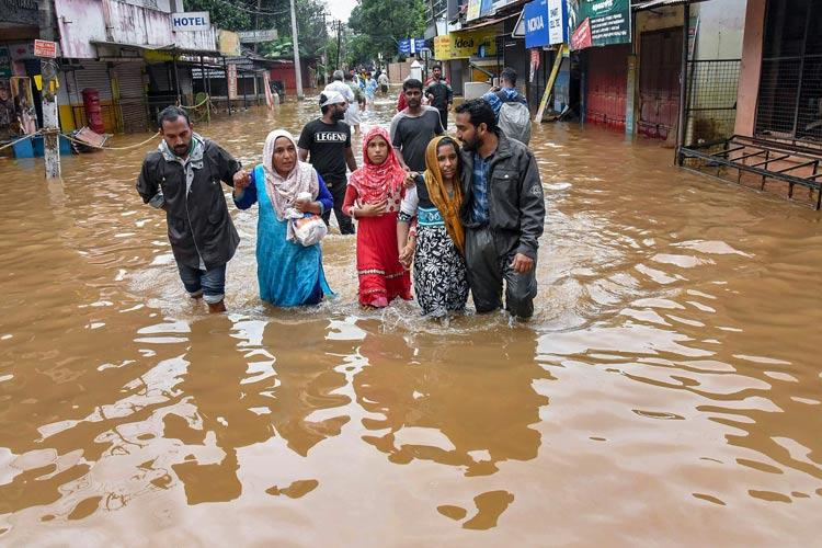 All India Mahila Congress collects Rs 25 lakh for Kerala flood relief