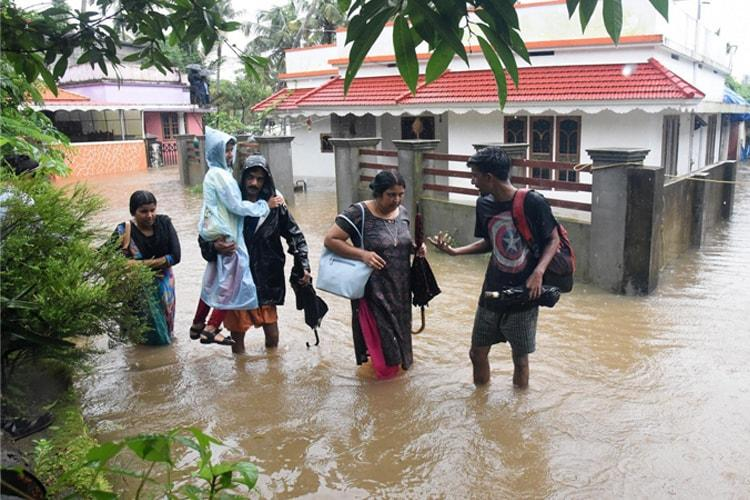 Kerala floods BSF rescues over 200 in Thrissur aiding rehabilitation work