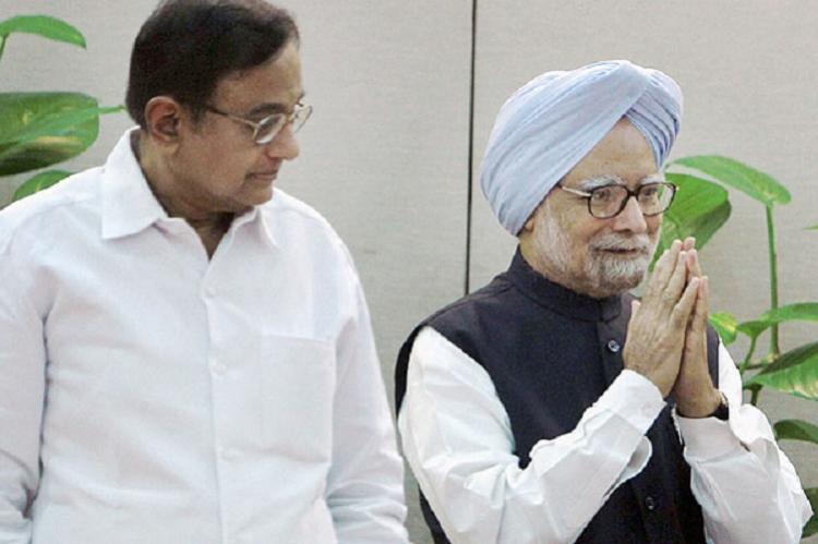 Former PM Manmohan Singh Chidambaram flay Modi on demonetisation