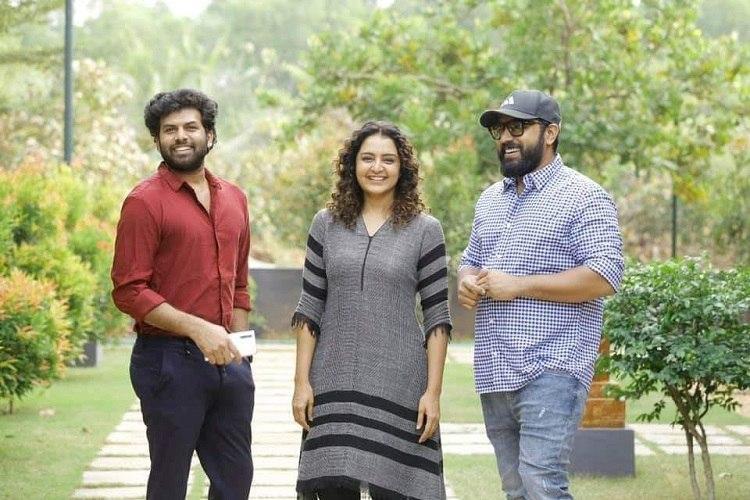 Manju Warrier joins Padavettu sets