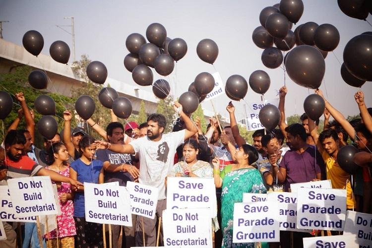 Save Parade Ground campaign continues in Hyderabad protesters release black balloons