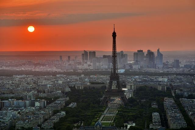 Multiple terror attacks in Paris leaving scores dead France under emergency