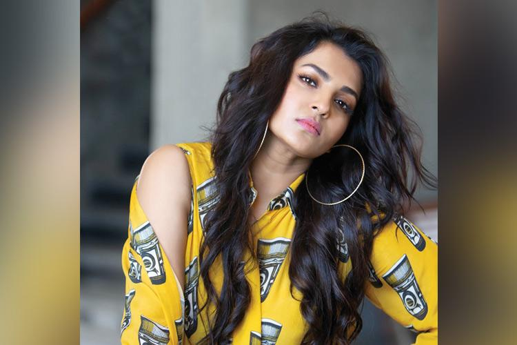 Watch Who would Parvathy like to get stuck with in a lift And other questions