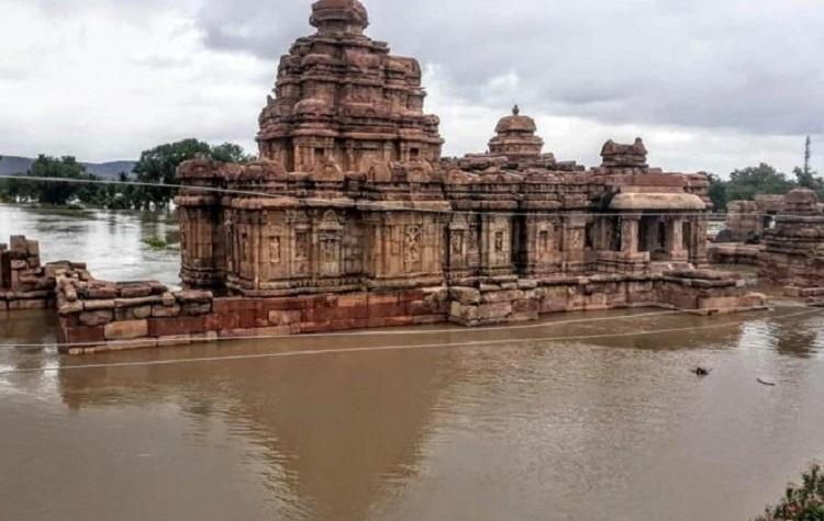 Unabated rainfall in Karnataka Bagalakot district inundated UNESCO World Heritage temples