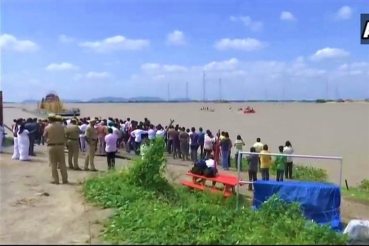 Vijayawada tragedy Bodies of 4 students who drowned in Krishna river recovered