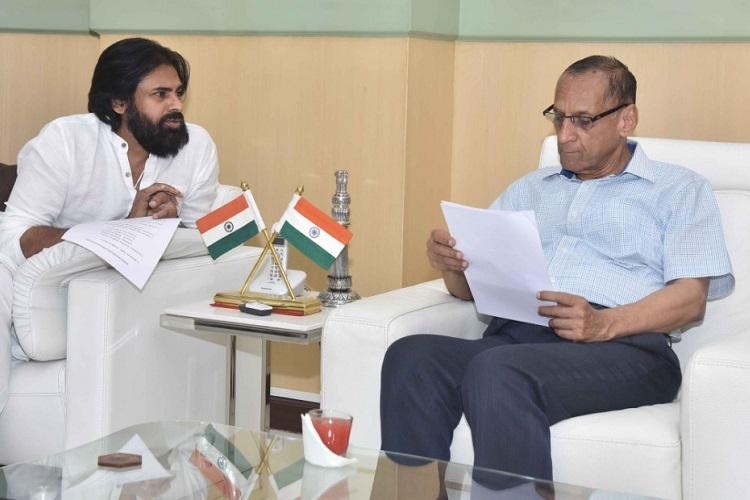 Pawan Kalyan meets Andhra Governor submits report on Cyclone Titli damage