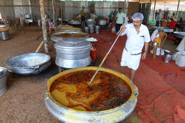 Real life Nalan Kerala chef whips up meals for 15000 guests at Kalolsavam