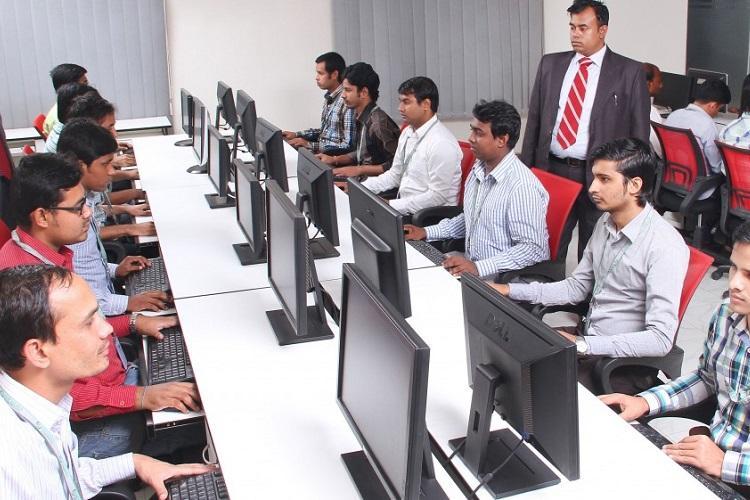 Nearly 2 crore men in India lost jobs between FY12-FY18 NSSO