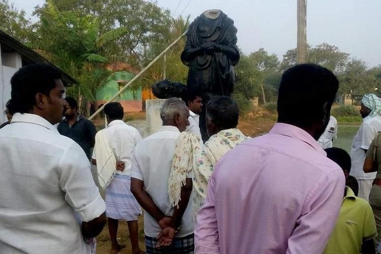 Miscreants vandalise Periyar statue in TN's Pudukkottai district