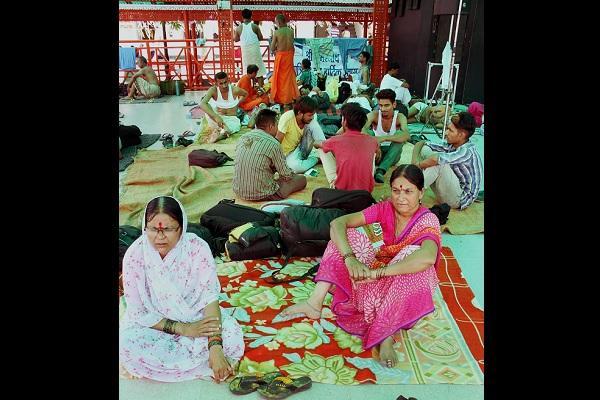 Nearly 500 Amarnath pilgrims from AP Telangana stranded in Jammu and Kashmir