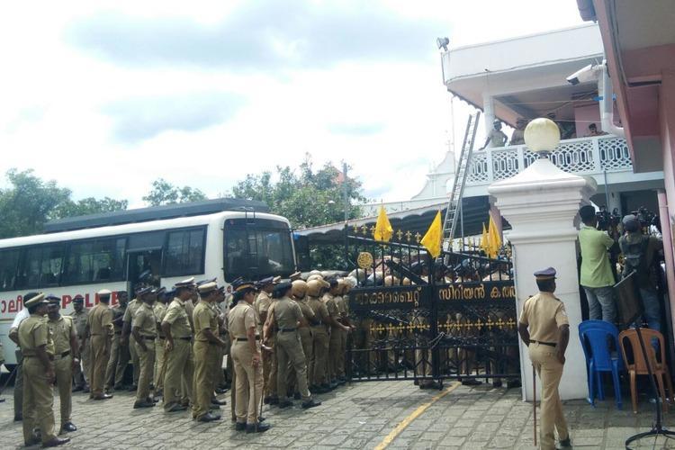 Jacobites vs Orthodox Kerala cops enter St Marys church amidst dramatic scenes