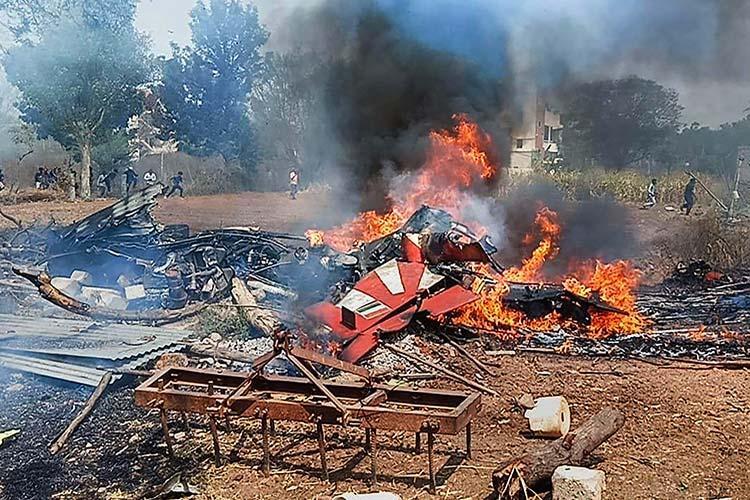 2 Surya Kiran aircraft crash in Bengaluru during Aero India rehearsal 1 pilot killed