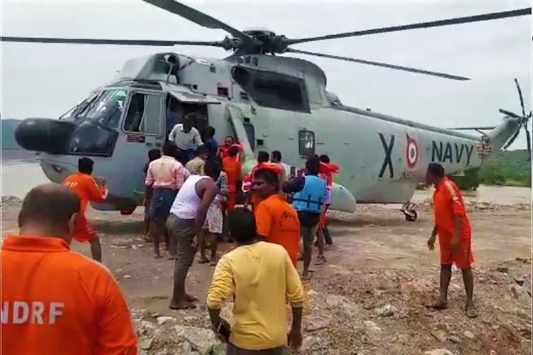 Video In dramatic operation 31 Andhra fishermen rescued from Polavaram cofferdam