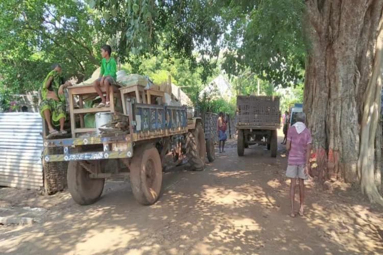Polavaram project oustees evacuating their localities amid fear