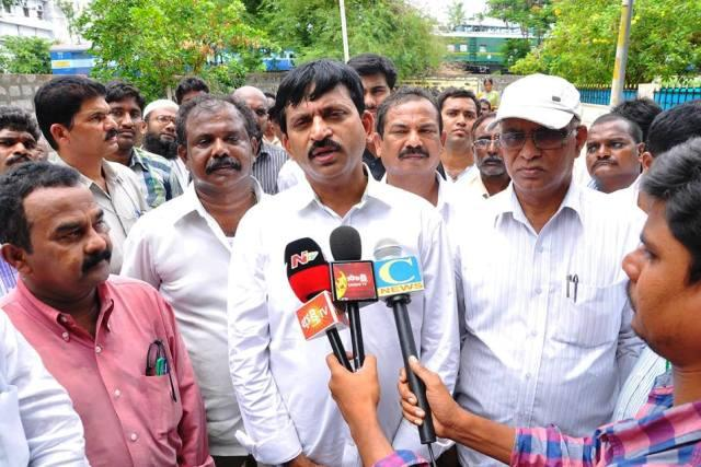 Another YSRC MP defects this time to TRS in Telangana