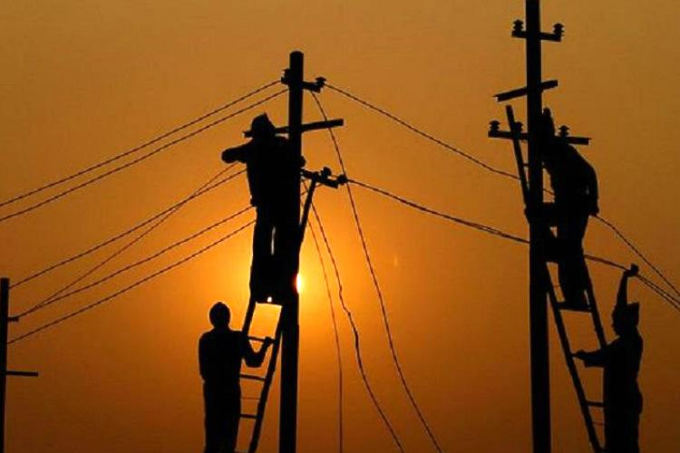 Chennais Adyar Avadi and other areas to face 8-hour power cut on Wednesday