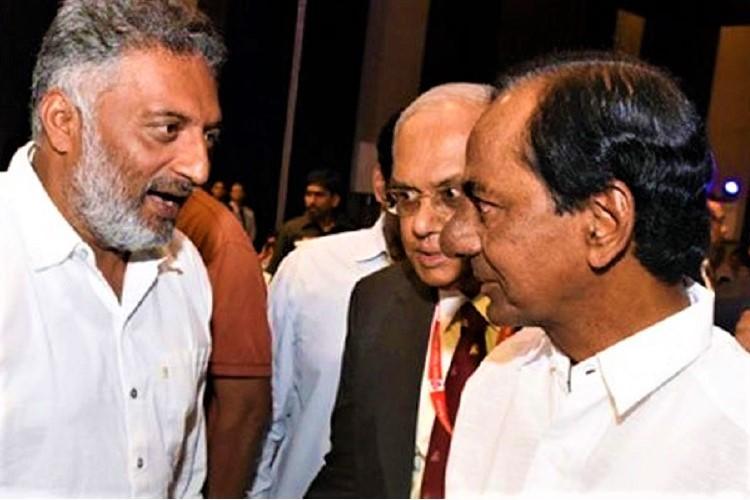 Prakash Raj calls on Telangana CM KCR over plans to float a Federal Front