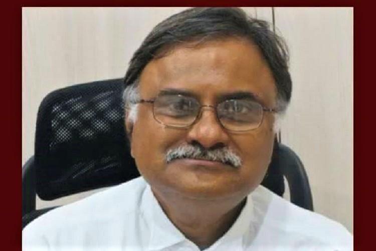 Citing personal reasons Telangana advocate general D Prakash Reddy resigns