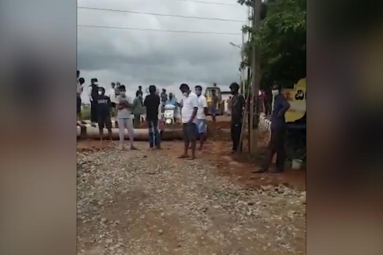 Bengaluru residents stop burial of COVID-19 victim