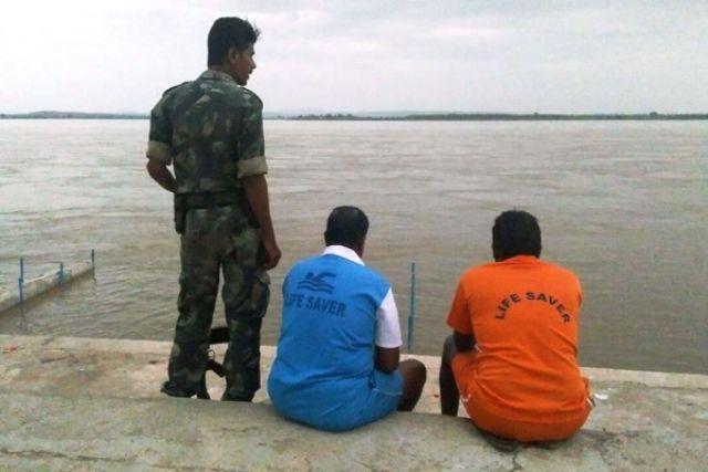 More than 13000 police personnel deployed for Krishna Pushkaralu in Telangana