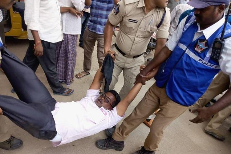 Kadapa steel plant Shoe hurled at Union Ministers car as activists protest in AP