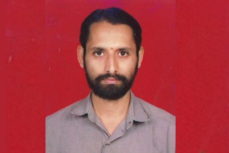 Ktaka RTI activist sustains burns after Gram Panchayat member throws hot water on him