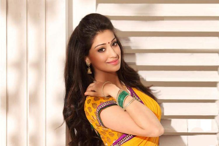 Raai Laxmi taken on board for Chiranjeevis Khaidi No 150 after Catherine opts out