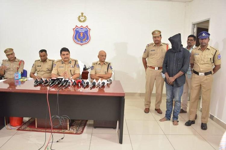 Abducted 6-yr-old rescued within hours by Hyd police Good Samaritan rewarded