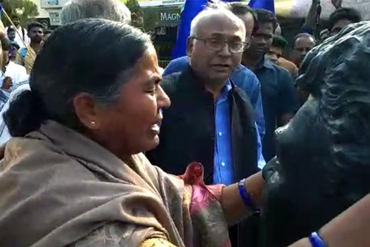 Rohith Shahadath Din Radhika Vemula breaks down before sons bust