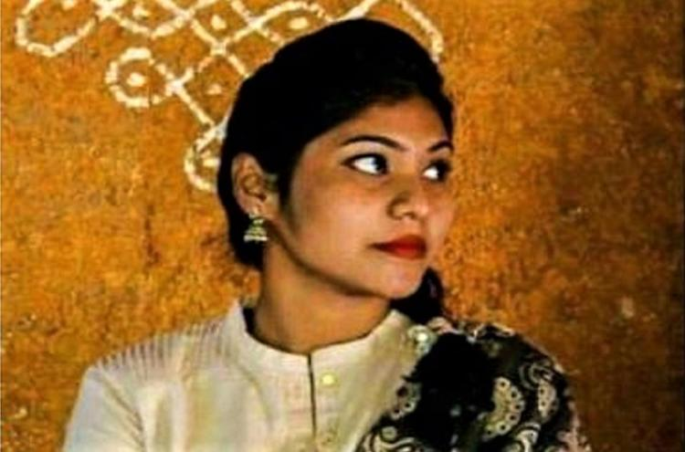 Sathyabama suicide Ragamonikas body reaches Andhra village last rites conducted