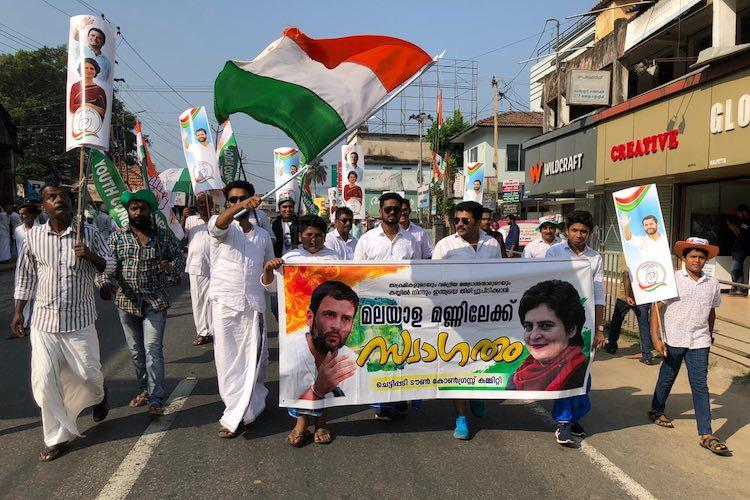 We want democracy secular India Crowds chant ahead of Rahuls arrival in Wayanad