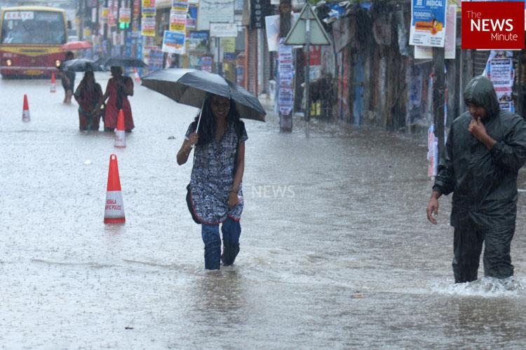 Heavy rains to continue in Kerala Warning issued to those living on banks of Periyar