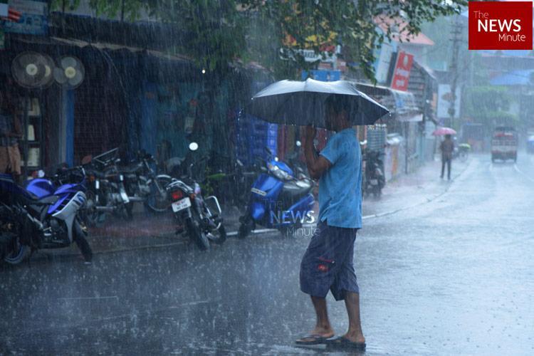 Yellow alert declared in 5 Kerala districts as Met Dept predicts heavy rains