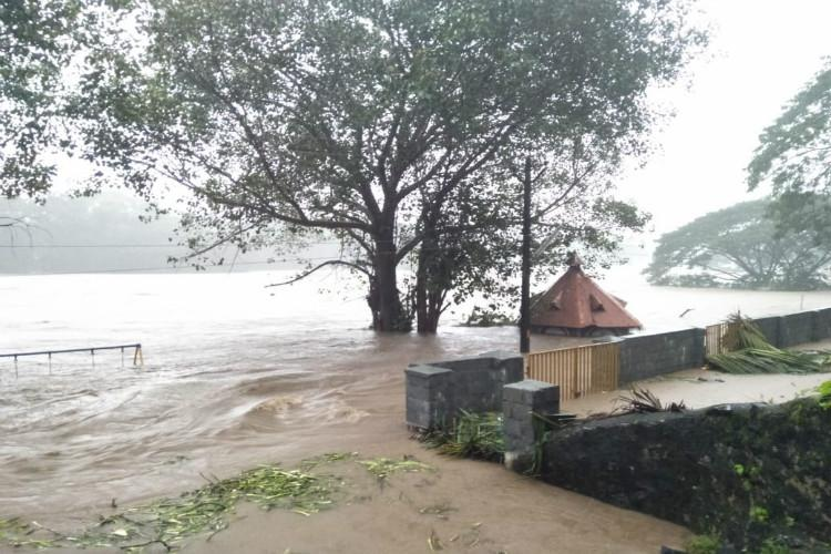 Kerala rains Death toll rises to 22 as two killed in flash floods in Ernakulam