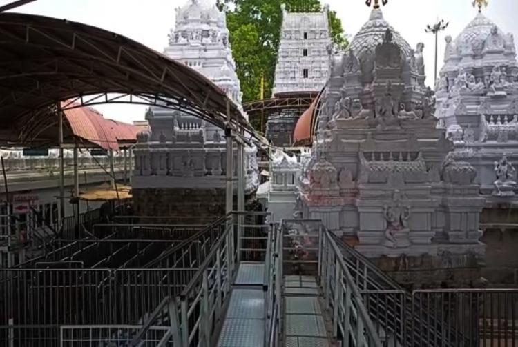A glimpse from the Sree Rajarajeshwara temple following the restrictions