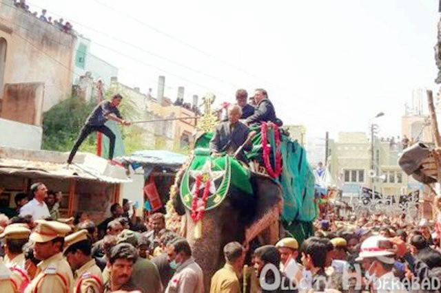 Hyderabad Zoos elephant Rajini hurt during Muharram procession