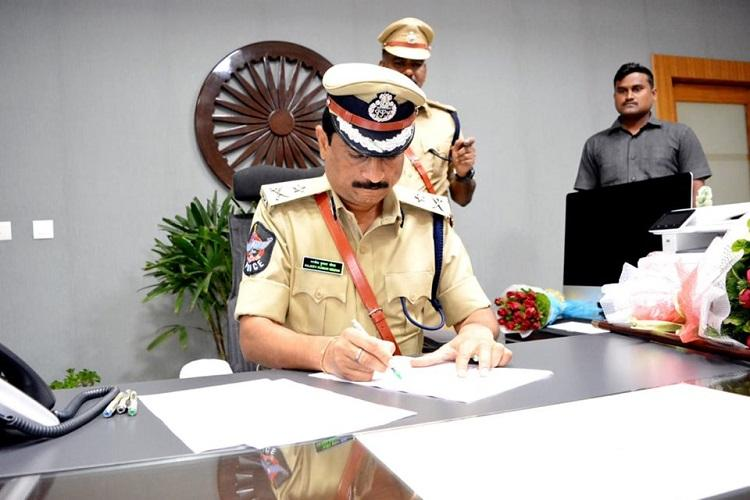 Vizag gets new police commissioner as Rajiv Kumar Meena takes charge