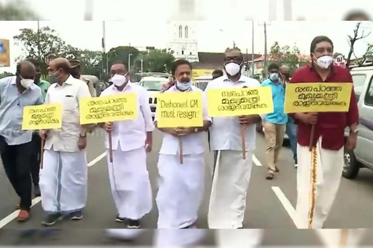 Opposition leader Ramesh Chennithala and four other UDF leaders marching to secretariat demanding CMs resgination