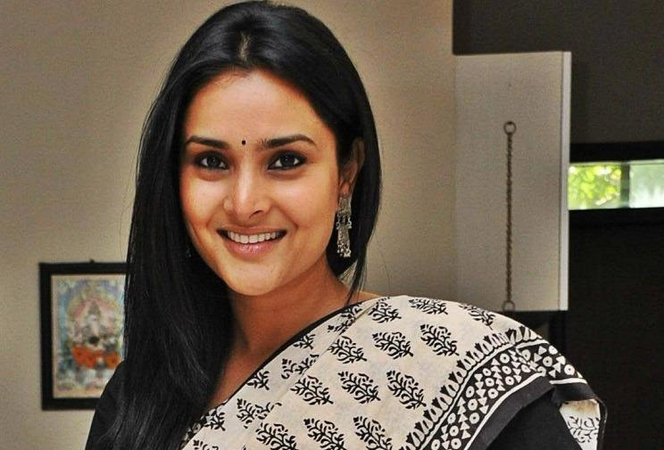 Do we want to create a culture of hatred without cause Congress leader Ramya on Pak visit