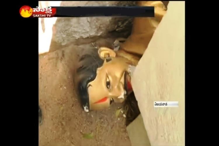 Protest in Vijayawada after miscreants vandalise Vangaveeti Rangas statue