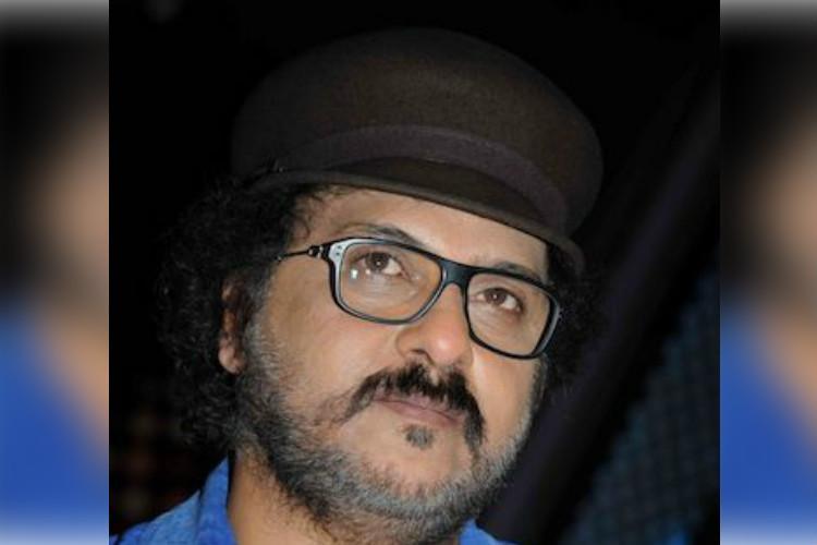 V Ravichandrans son to debut in multilingual film