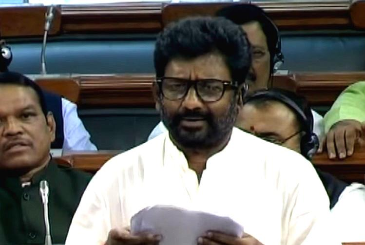 Twitter heartily backs Air India for refusing to lift ban on Sena MP who assaulted airline staff