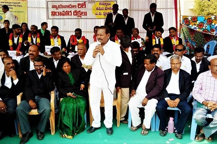 Protesting Andhra lawyers meet Hyd HC CJ demand high court in Rayalaseema region