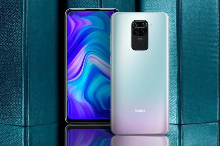 The front and back view of the Redmi Note 9 in the Arctic White colour variant