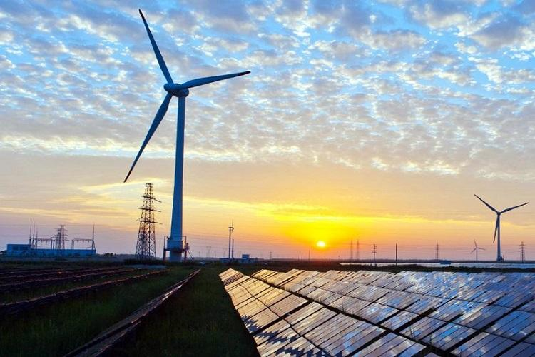 Karnataka now leads in renewable energy generation in India Report