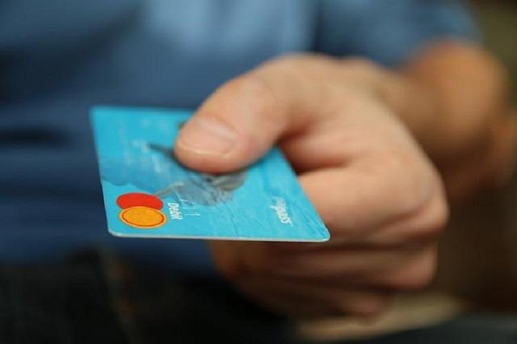 Revive Your Sinking Credit Score With These Helpful Tips
