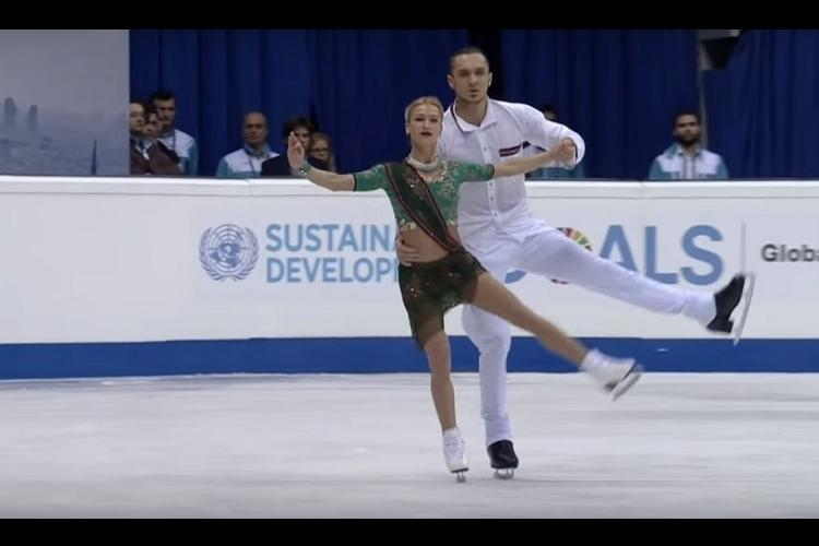 Video of Russian figure skaters perform to Nagada Sang Dhol is still going viral