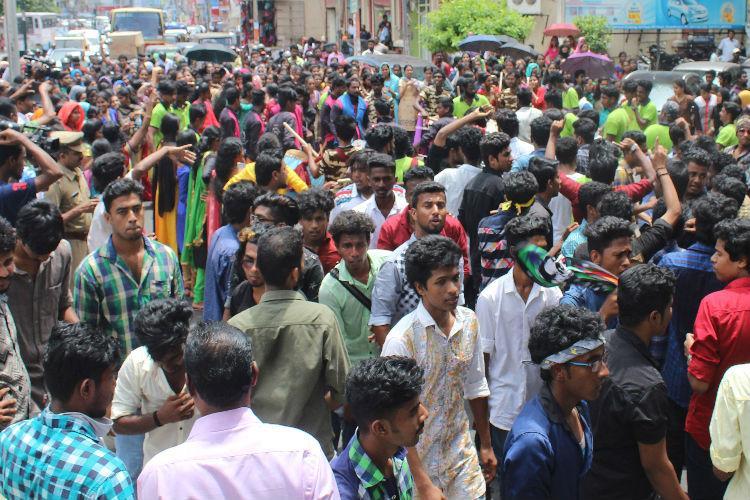 Onam revelry Kerala University students block traffic even ambulance not spared
